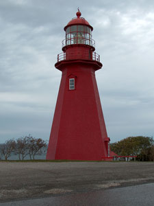 red lighthouse, Quebec